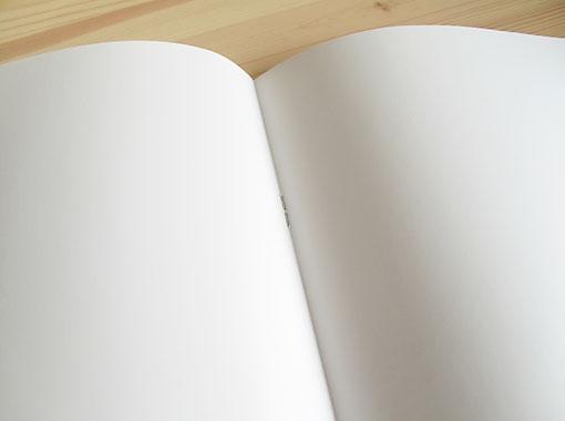 中綴じ16ページ