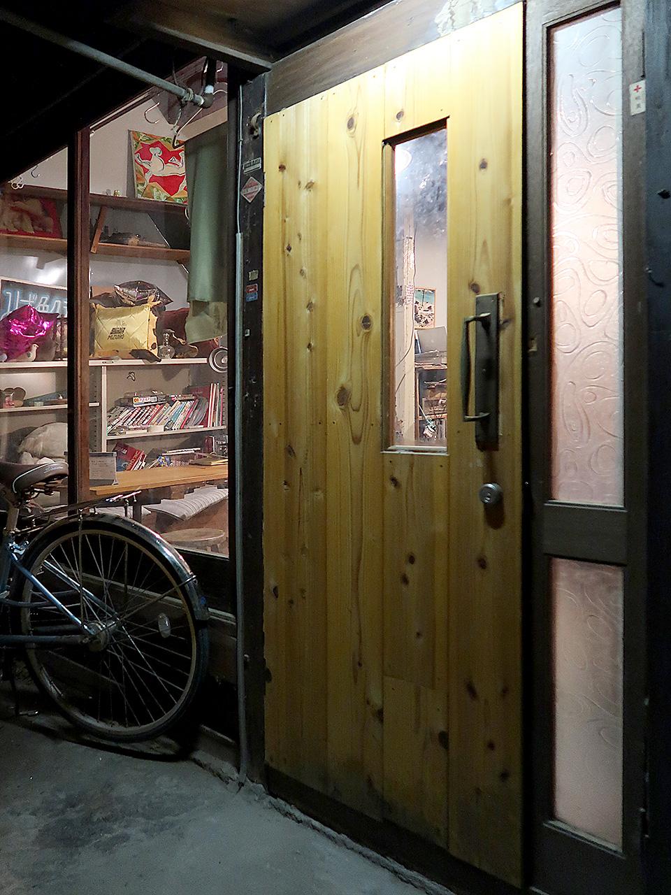 みず色クラブ 玄関