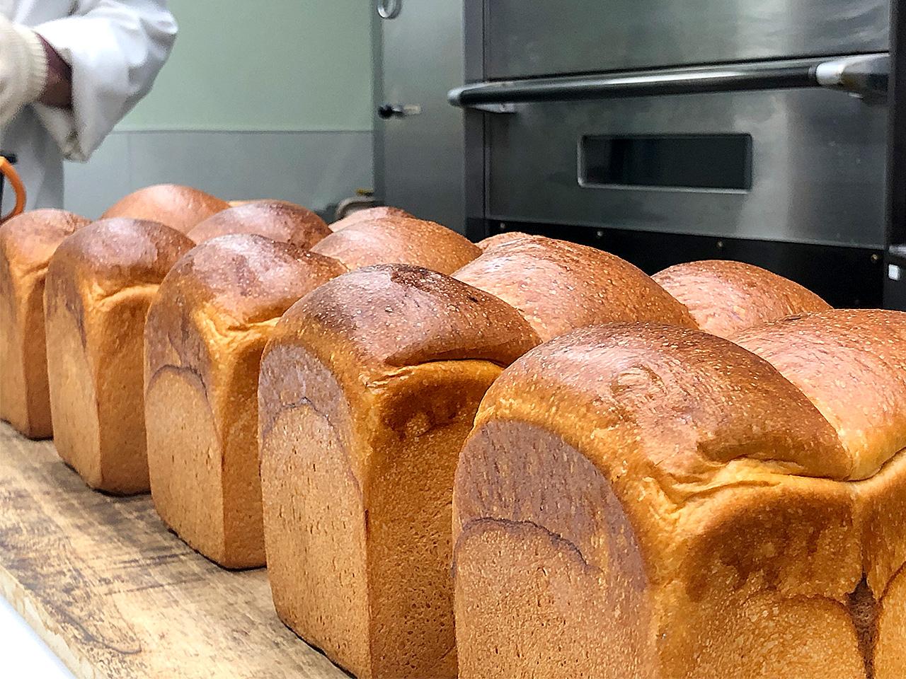 ブーランジェリーオショウ 焼きたての山型食パン